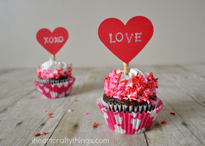 diy valentines day cupcake toppers