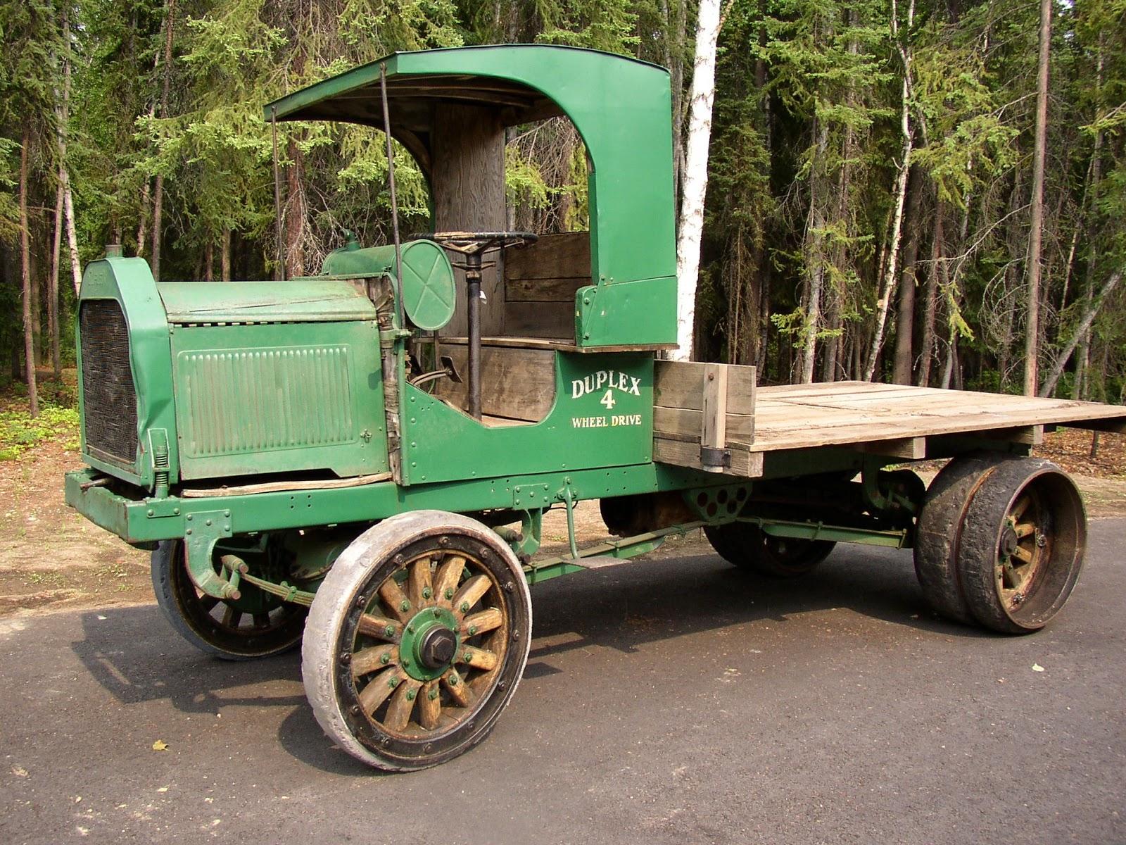 Fountainhead Antique Auto Museum: Built Like a Mack AB Flatbed Truck
