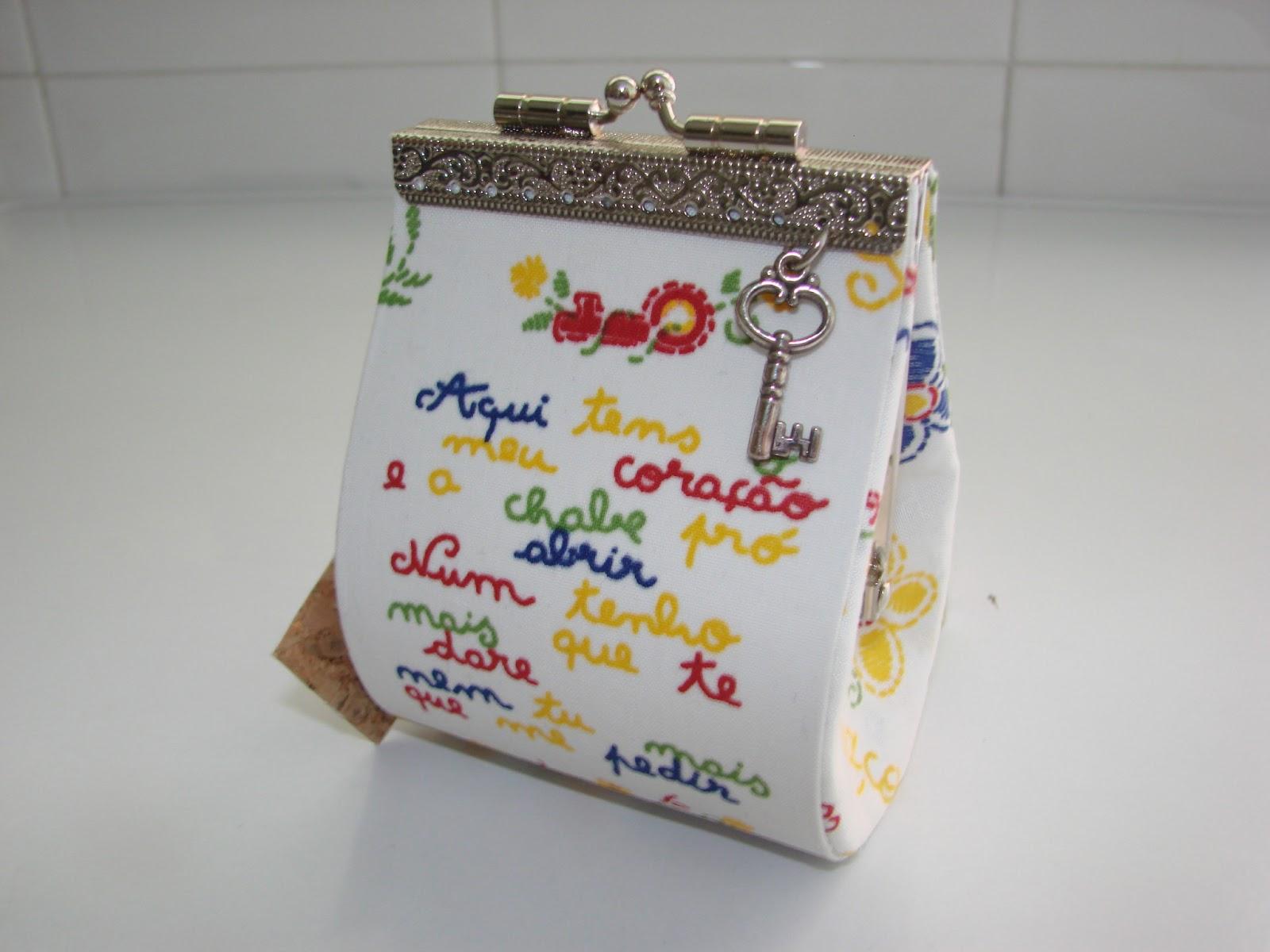 #A68725 Carteiras e bolsas para óculos de sol em cartonagem. 1206 Portas E Janelas De Madeira Em Vitoria Da Conquista
