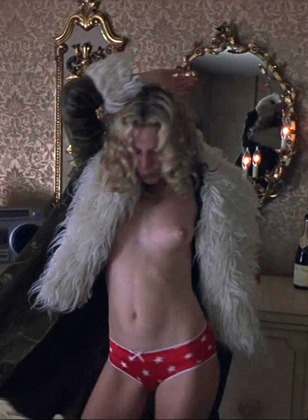 Kate hudson tit photos