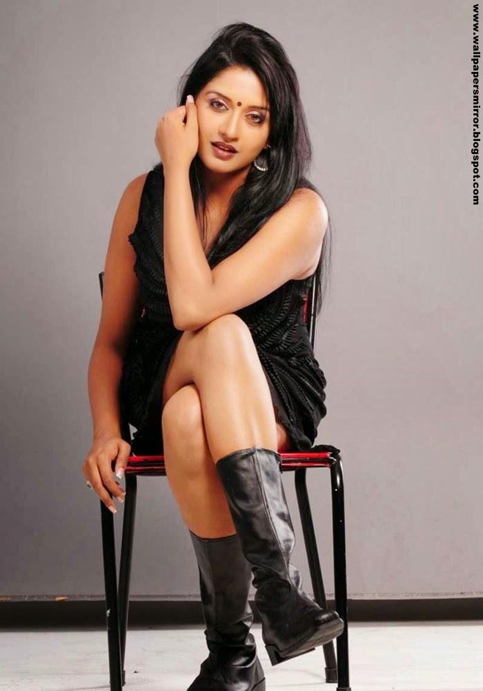 Actress Vimala raman unseen hot photo gallery