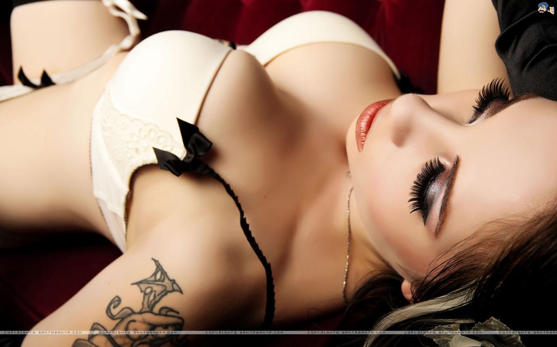 Lingerie Hot Babes, Bikini