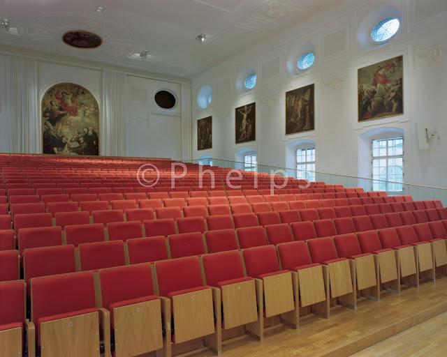 Aula der Uni Salzburg - Arch. Fonatsch - Foto Andrew Phelps