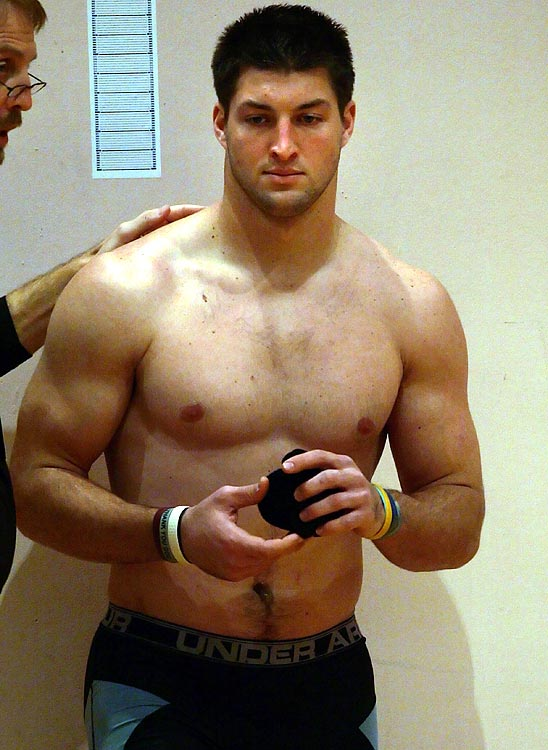 nude pictures of tim tebow