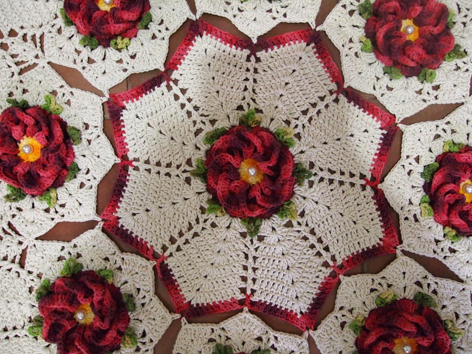 tapete redondo com flor segredo. Black Bedroom Furniture Sets. Home Design Ideas