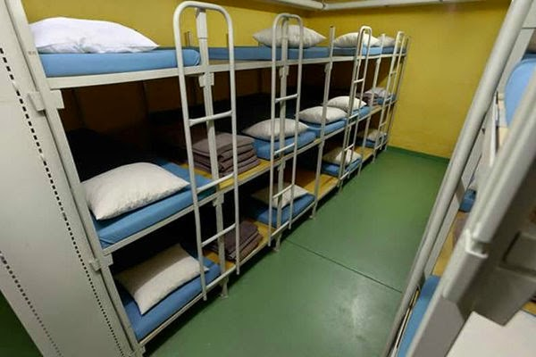 Dormire in un rifugio antiatomico