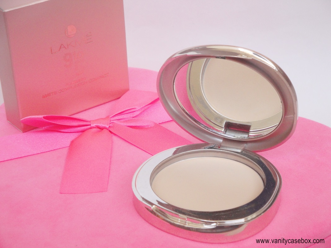 Lakme 9 to 5 Flawless matte complexion compact review and swatches