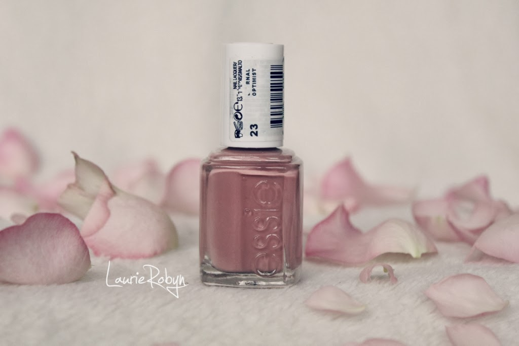 FRIDAY FAVOURITE | ESSIE ETERNAL OPTIMIST | LaurieRobyn: FRIDAY ...
