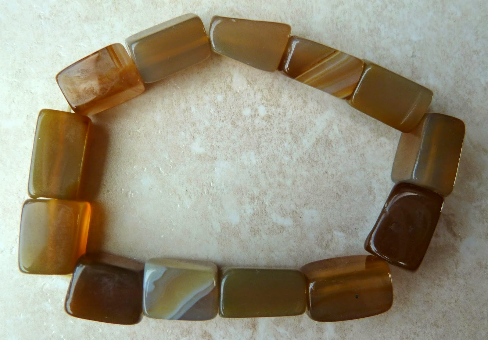 http://www.kcavintagegems.uk/carnelian-stone-stretch-bracelet-372-p.asp