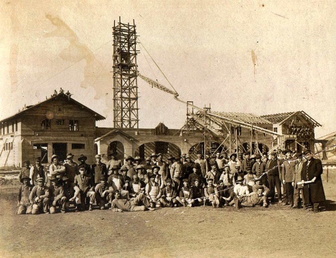 History Of Amarillo Texas 1910 Sante Fe Depot Under Construction In Amarillo Texas