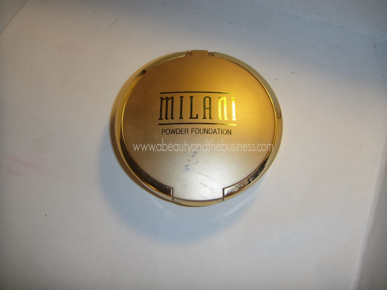 milani, milani even touch powder foundation review, powder foundation, powder foundation review, milani even touch powder foundation shell, milani powder foundation