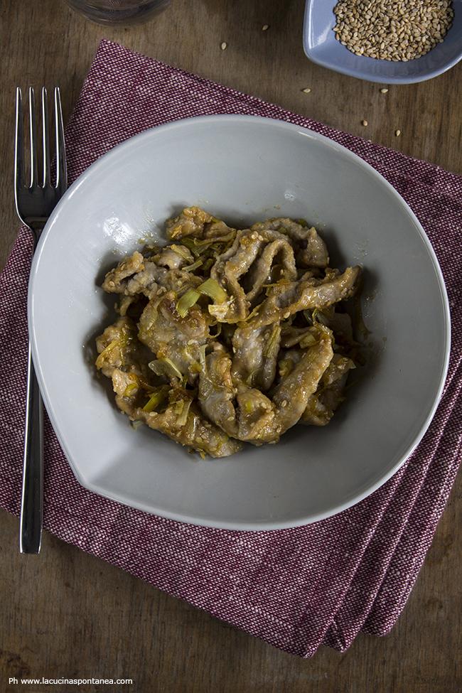 15 minuti in cucina straccetti di manzo con porri e salsa for Lecitina di soia in cucina