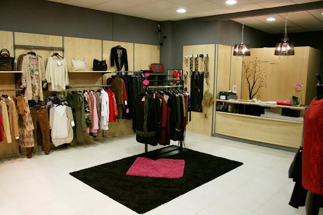 Interior tienda Divinitty