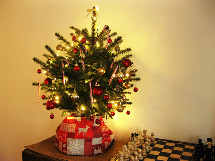 Simple stof om de kerstboom action lampjes action with nep for Mini kerstboom action