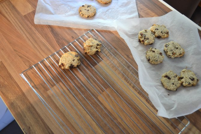 Recipe | Vegan Date and Chocolate Chip Cookies