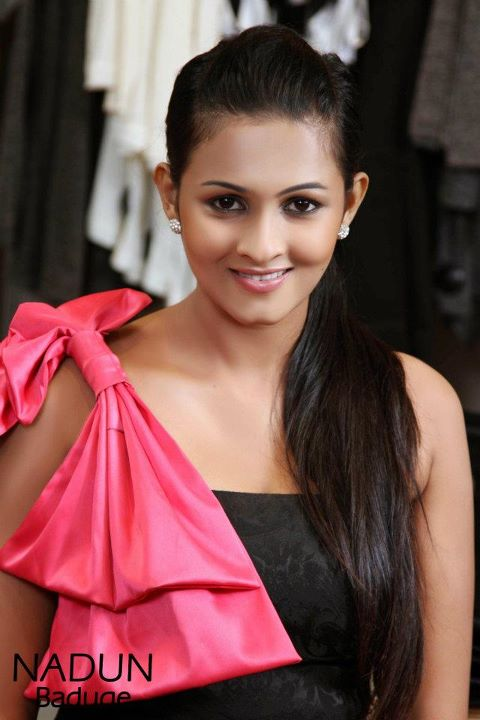 Sri Lankan Models and Actress Picture Gallery: Piumi