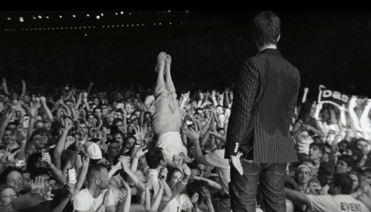 Black Gallagher Crowd