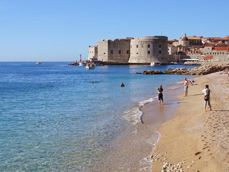 Photo de la plage de Banje à Dubrovnik en Croatie