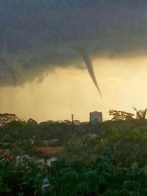 18 Disember 2013 | Gambar Puting Beliung Di Johor Bahru