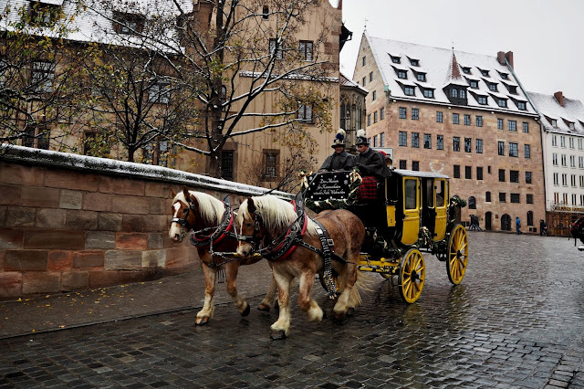 koňský povoz // horse-drawn carriage