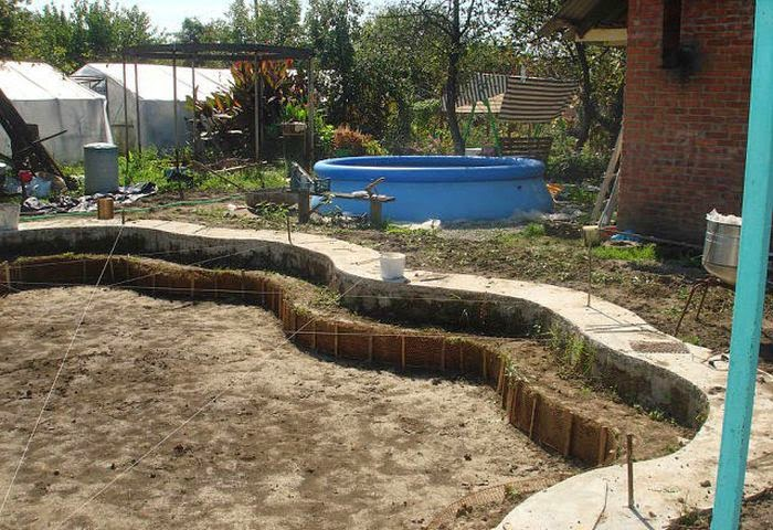Custom built diy swimming pool damn cool pictures for Homemade wading pool