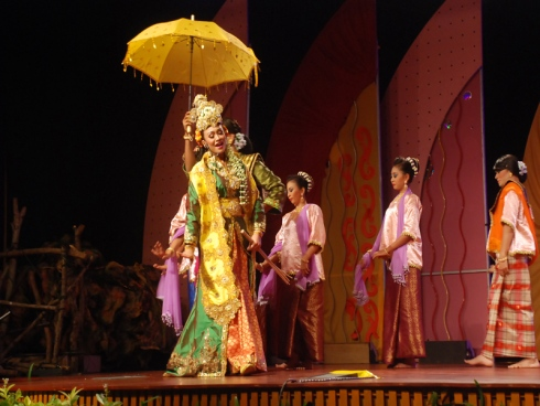 Malaysia, Berita, Gossip, Gosip, Hiburan, Selebriti, Artis Malaysia, Teater, Mek Mulung, angkat, tradisi, Kedah