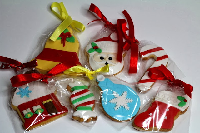 Hand decorated xmas cookies
