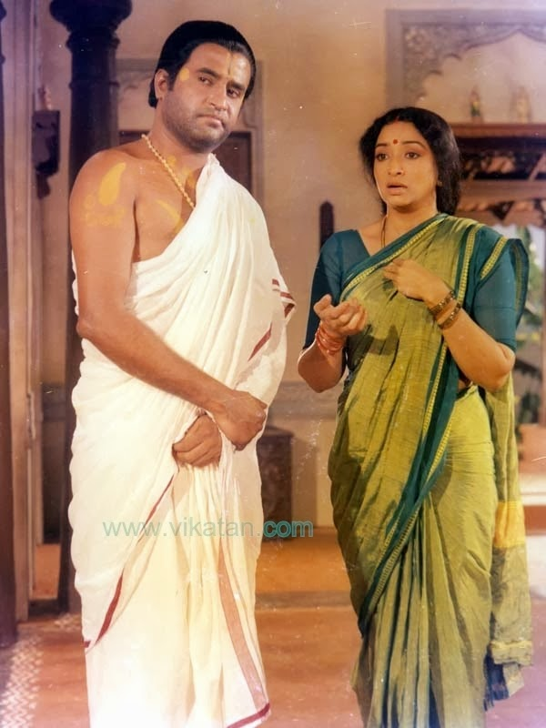 Rajinikanth & Lakshmi in 'Sri Ragavendra' (1985) Tamil Movie