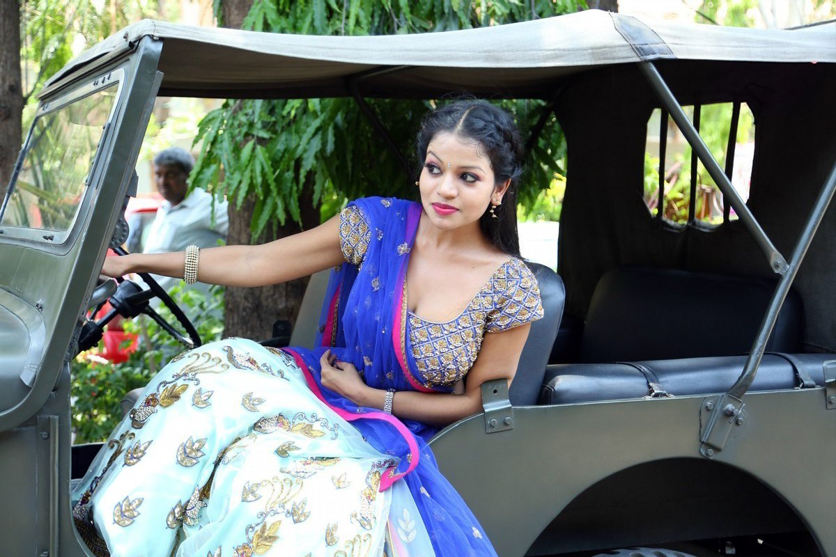 Actress Bhavya Sri Photos At Silk Expo Launch