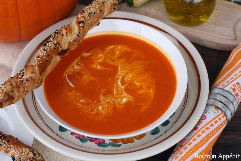 Krem z pieczonej dyni i pomidorów