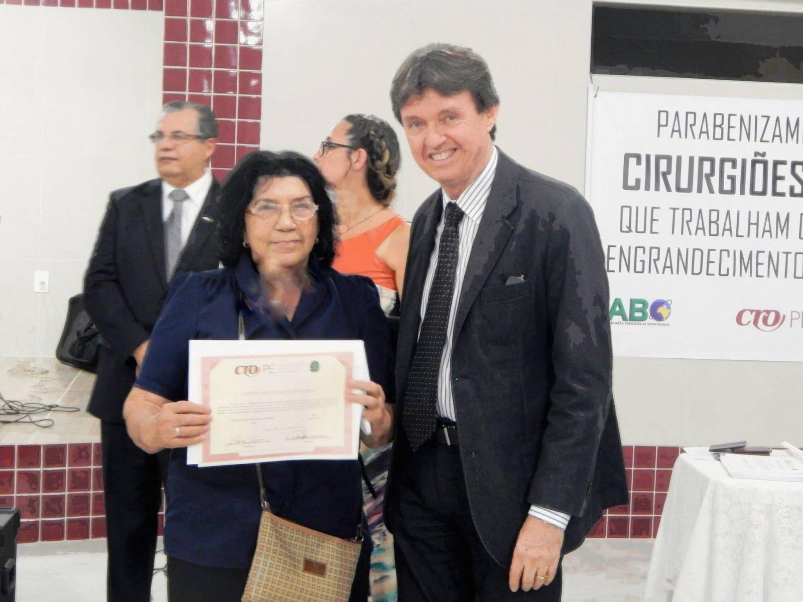 FACULDADE DE ODONTOLOGIA DA UNIVERSIDADE  FEDERAL DE PERNAMBUCO
