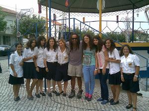 Algumas meninas com Olavo Bilac