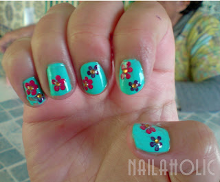 via justanailaholic.blogspot.com