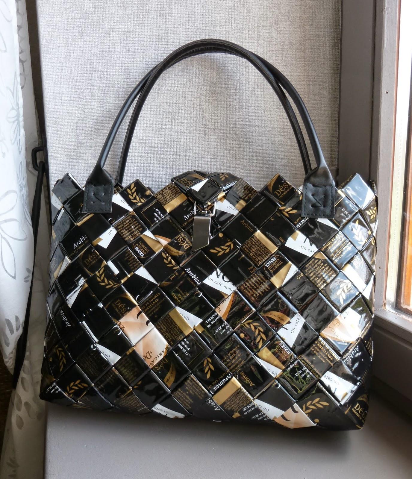 longchamp bricole mon sac en paquet de caf. Black Bedroom Furniture Sets. Home Design Ideas