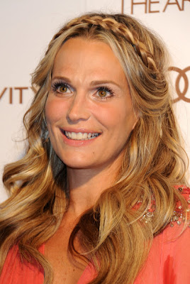 Molly Sims Long Wavy Cut Hairstyle Lookbook