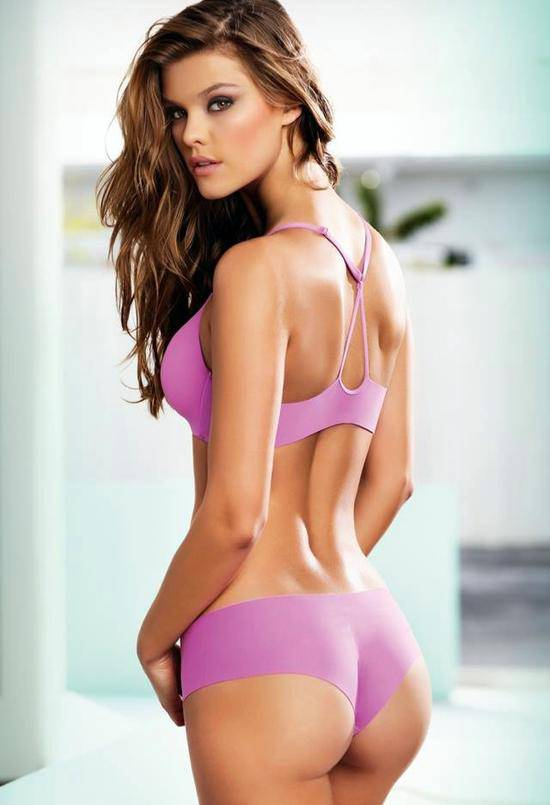 Nina Agdal nude pics