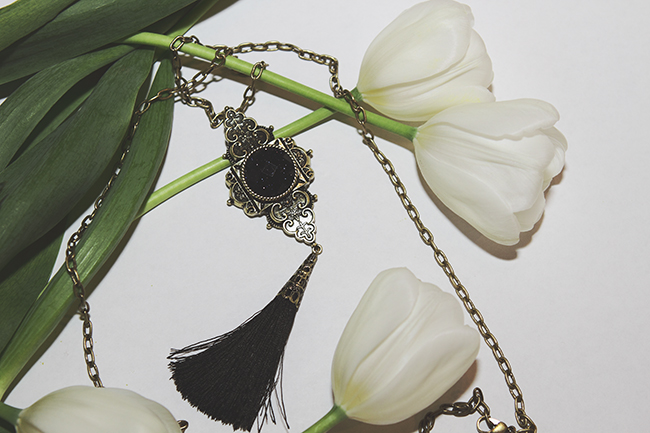 """New In: Recent Additions To My Necklace Collection"" Post on ""The Wind of Inspiration"" Blog #twoi #twoistyle #style #fashion #personalstyle #fashionblog #fashionblogger #statementnecklace #necklaces #jewelry #tulips"