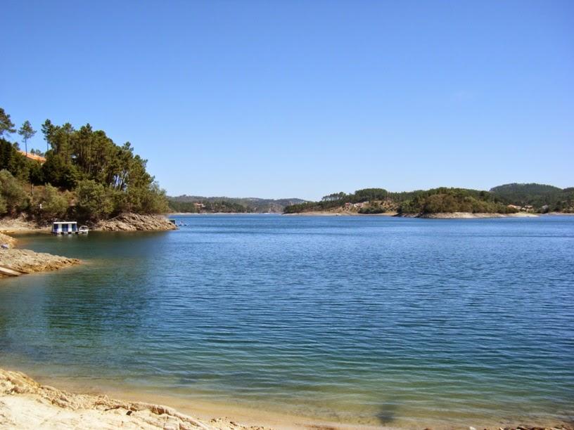 Zona de banhos na praia fluvial