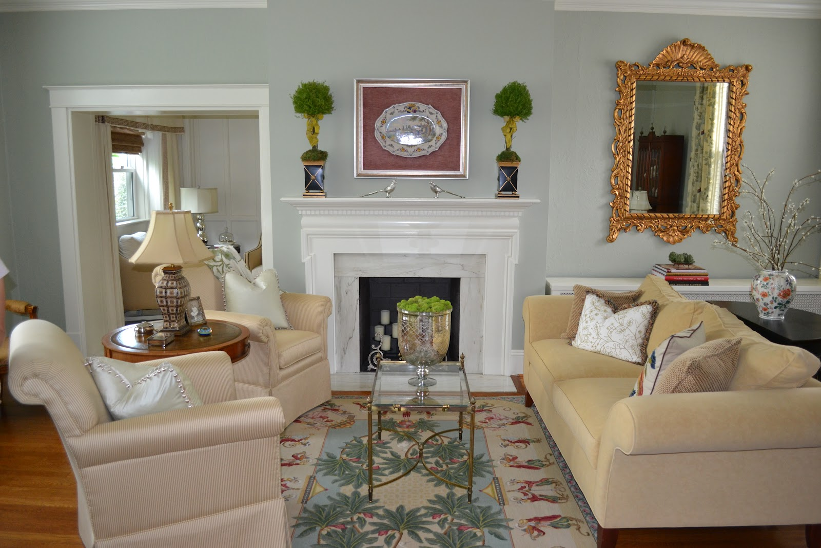 Small living room makeover before and after for Design makeover