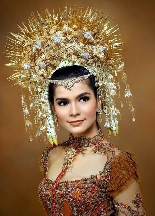 Traditional Indonesian Wedding Makeup : Beautiful Indonesian Bridal Makeup Tips New Photos 2014 ...