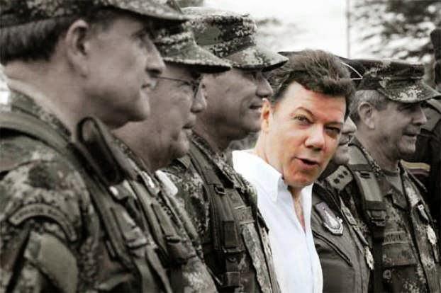 Juan Manuel Santos y militares