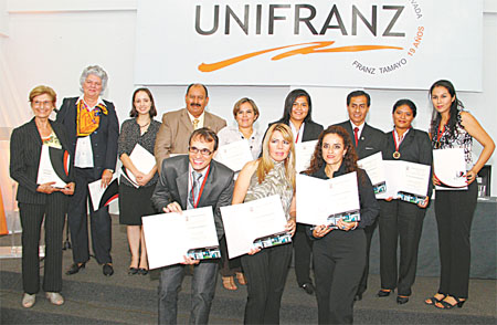 La Unifranz celebró su cumpleaños incentivando a los mejores