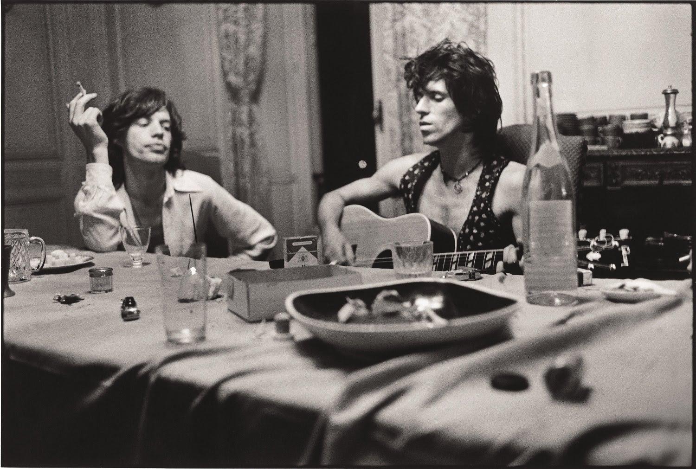 http://1.bp.blogspot.com/-EoMPyB7yf6A/T_8cxH37VQI/AAAAAAAAPoA/p_vZhY9ICso/s1600/Mick+Jagger+&Keith+Richards,+Villa+Nellcote,+Villefranche+sur+Mer,+%C3%A9t%C3%A9+1971.jpg