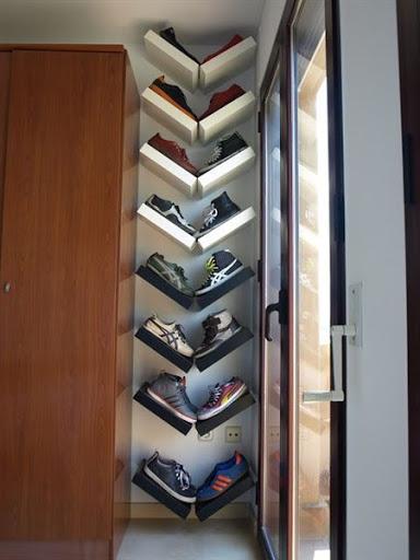 Model rak sepatu unik minimalis dari bahan bekas
