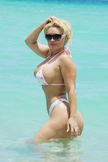 Coco Flaunts Wallpapers, Coco Flaunts Bikini Pics