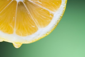 Lemon water to boost health and fertility