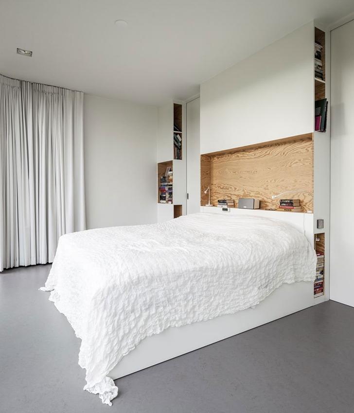 Bedroom in Modern Villa V by Paul de Ruiter Architects