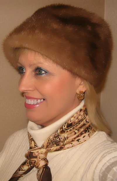 tan vintage fur hat