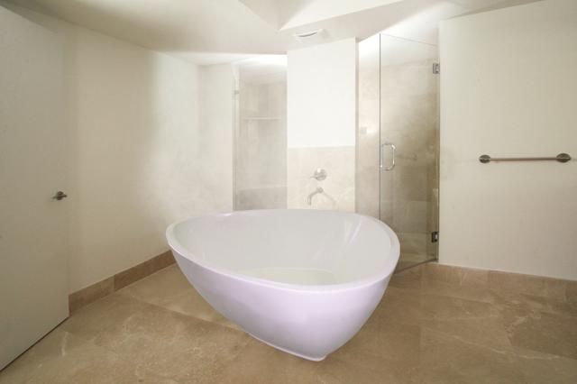Aquatica bathtubs the aquatica purescape 400 triangular freestanding acrylic soaker bathtub - Triangular bathtub ...