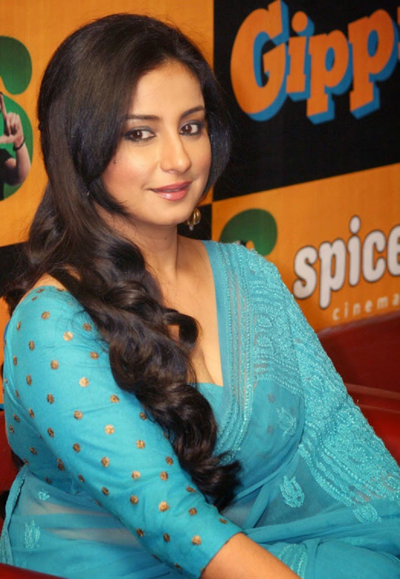 Divya Dutta Wallpapers Free Download